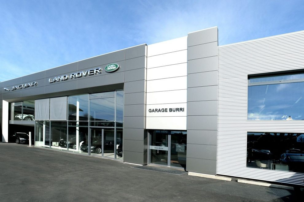Neuer jaguar land rover showroom in thun autosprintch for Garage land rover brest